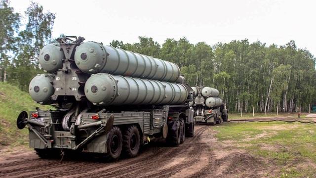 Bí ẩn lý do S-300 vẫn tiếp tục án binh bất động trước mưa tên lửa Israel giội vào Syria