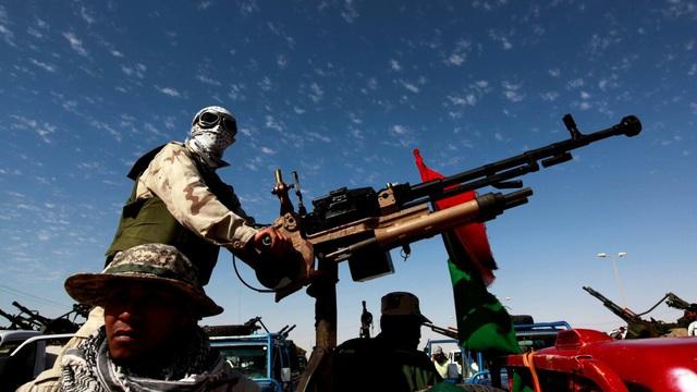 """""""Sao chép"""" chính đối thủ: Nga trình làng """"chiến xa"""" mới khắc chế """"xe bán tải gắn súng máy"""" của khủng bố"""