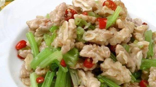 Món ăn dưỡng nhan, chống lão hóa từ cần tây và hạt óc chó: Bí quyết khỏe mạnh nhờ ngủ sâu