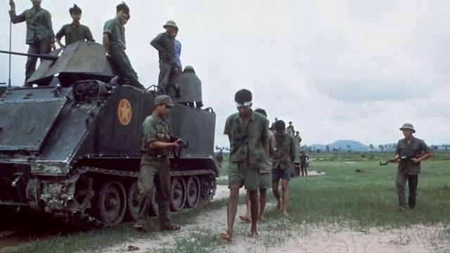 """Chiến trường K: Đặc nhiệm Quân tình nguyện VN tóm sống cận vệ, vây bắt """"cá lớn"""" - Trùm diệt chủng Polpot"""