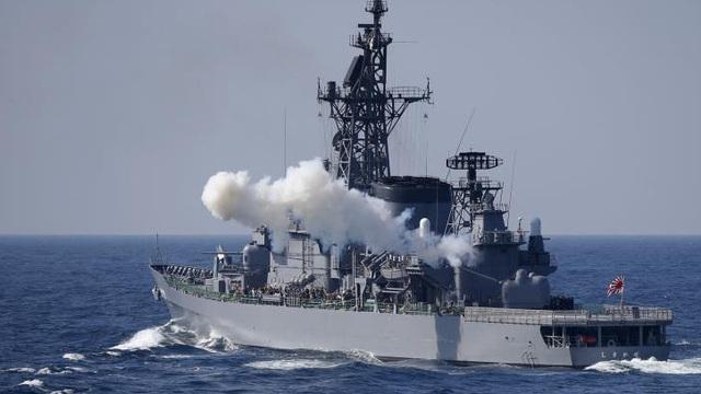 Chiến hạm Nhật Bản va chạm tàu cá Trung Quốc trên biển Hoa Đông