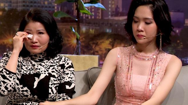 Mẹ ruột hoa hậu chuyển giới Nhật Hà: Tôi đưa con đi khám bác sĩ nhưng bất thành