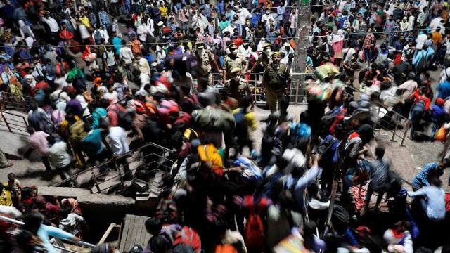 """Ca tử vong do COVID-19 tại khu ổ chuột hơn 1 triệu dân gióng hồi chuông """"báo động đỏ"""" cho tình hình ở Ấn Độ"""