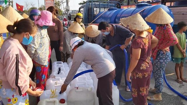"""Đưa nước ngọt về vùng """"đất khát"""" ở Tiền Giang"""