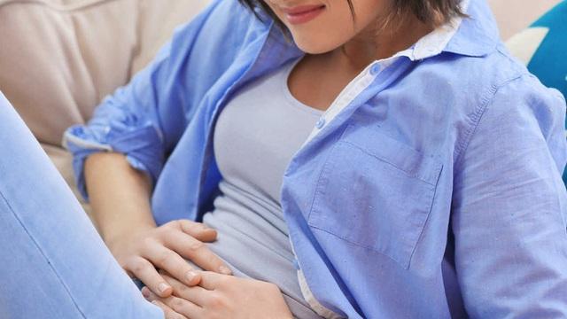 Phụ nữ bỗng dưng đau bụng dữ dội: Dấu hiệu của bệnh gì?