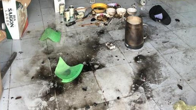 Mâu thuẫn trong lúc nhậu, thanh niên rủ nhóm bạn phóng hỏa, đốt nhà trọ khiến 4 người bị bỏng