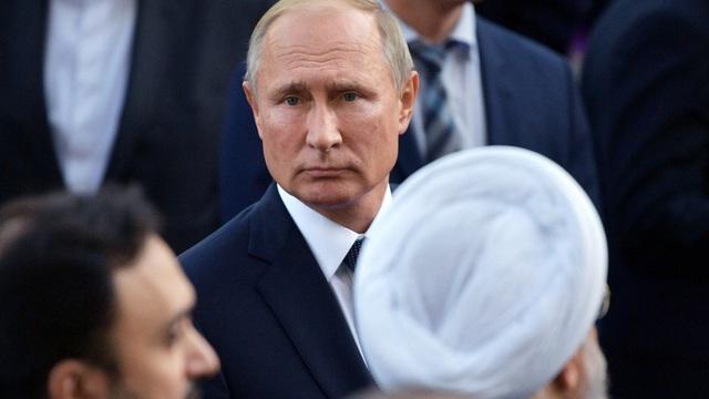 """Ở Syria, Tổng thống Putin có nên tiếp tục """"ván bài"""" với Iran?"""