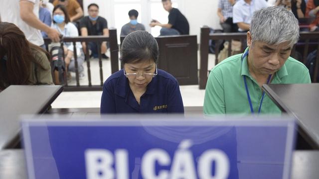 Vụ án nam sinh trường Gateway tử vong trên xe đưa đón: Nhiều người vắng, bị cáo Nguyễn Bích Quy xin hoãn tòa