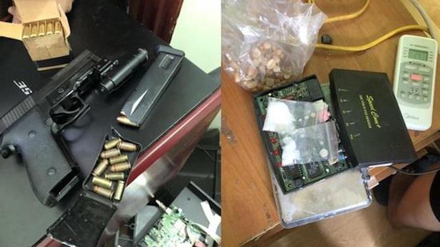 """""""Kho"""" súng đạn, dao kiếm của ông trùm tại chung cư để buôn ma túy"""