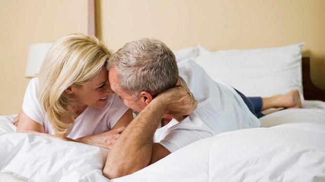 """Bác sĩ mách bạn 6 tuyệt chiêu giúp quý ông trung niên trở thành """"mãnh hổ"""" dài lâu"""