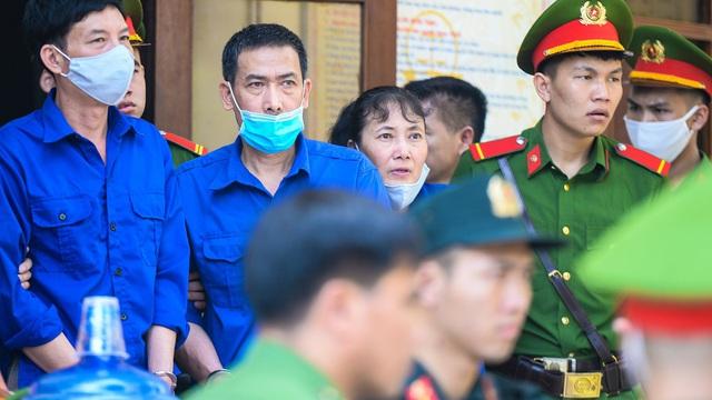 """Bị cáo vụ gian lận điểm ở Sơn La: """"Nếu không làm, sẽ không tồn tại được"""""""
