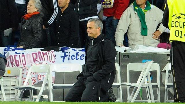 Đâu là thất bại duy nhất khiến Mourinho bật khóc?