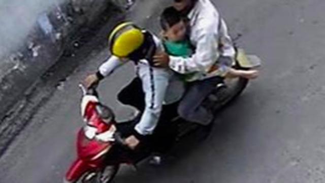 Người phụ nữ trình báo nghi con trai bị bắt cóc ở Sài Gòn, công an xác minh đứa trẻ ở với bố tại Quảng Ngãi