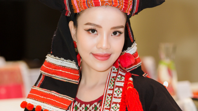 Sèn Hoàng Mỹ Lam diện trang phục dân tộc trong ngày ra MV mới