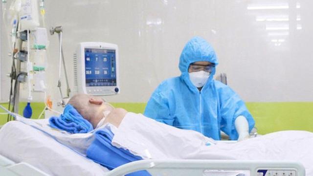 Phi công người Anh: Khả năng phục hồi phổi đã đạt 50% nhưng diễn biến vẫn khó lường