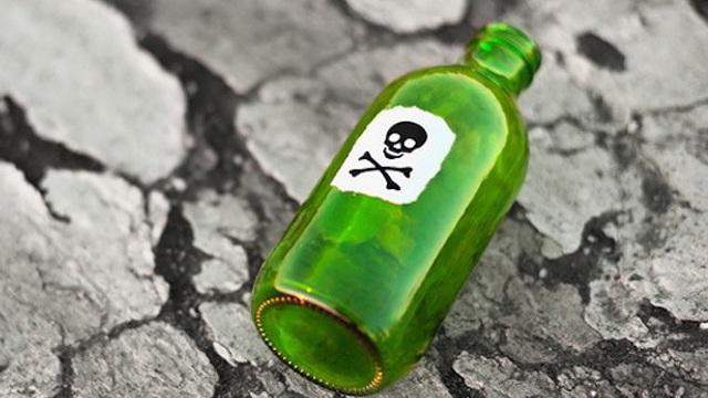 Bị phản đối, đổ thuốc độc vào nguồn nước để hạ độc cả gia đình bạn gái U50