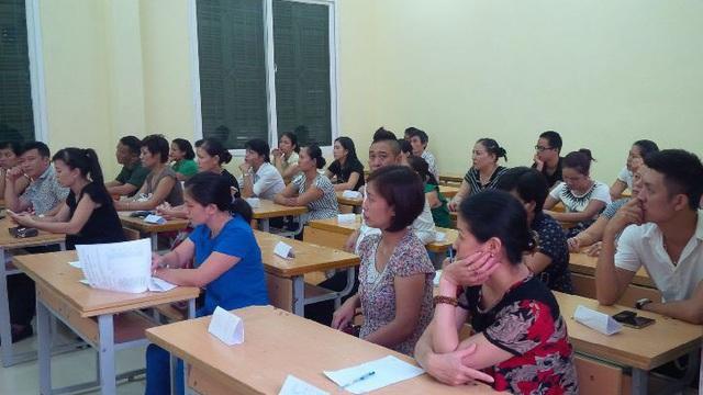 Mời phụ huynh của học sinh đội sổ phát biểu, lời nói của người mẹ khiến giáo viên đỏ mặt, phải xin lỗi ngay trước lớp