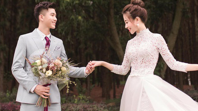 """Ở ngoài xinh xắn vừa vặn, Nhật Linh bỗng hoá """"khổng lồ"""" trong ảnh cưới với Văn Đức: Có gì đó sai sai?"""