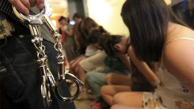 Cuộc đào thoát khỏi 'tổ quỷ' của cô gái bị bắt cóc làm nô lệ tình dục