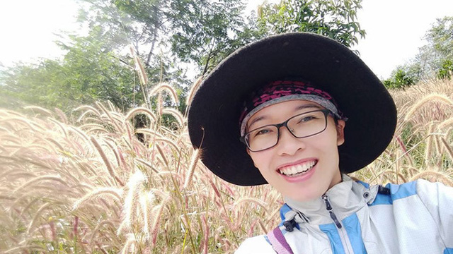 Bỏ công việc thu nhập cao ngất ngưởng, cô giáo Hà Nội sở hữu trung tâm tiếng Anh về quê ủ phân trồng rau: Cuộc sống mà Đen Vâu mơ ước là đây chứ đâu!