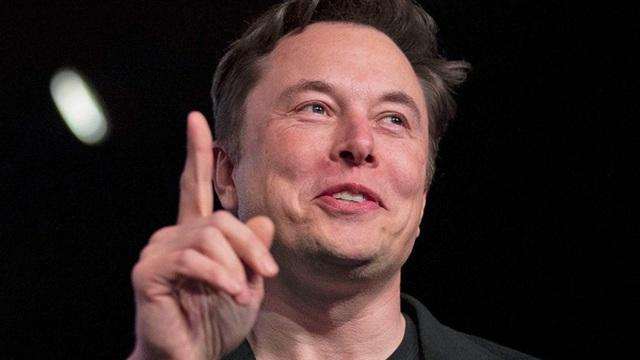 Tesla trở thành nhà sản xuất ô tô lớn nhất trong lịch sử nước Mỹ