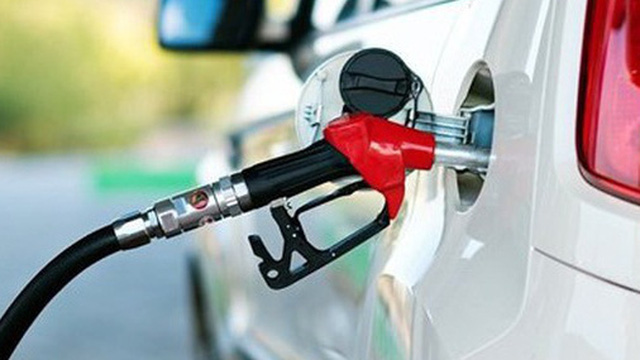 Giá xăng giảm… 36 đồng/lít