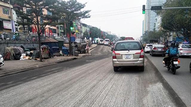 Chủ tịch Hà Nội yêu cầu không cải tạo hè đường sát Tết