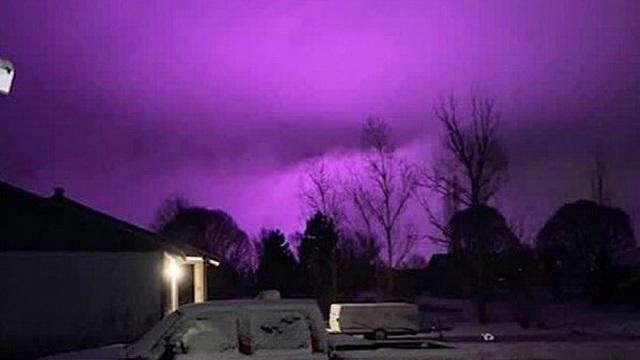 Giải mã bí ẩn hiện tượng bầu trời bị nhuộm tím kỳ lạ