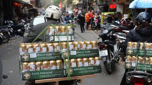 Bloomberg nói gì về việc Việt Nam cấm người sử dụng rượu bia lái xe?