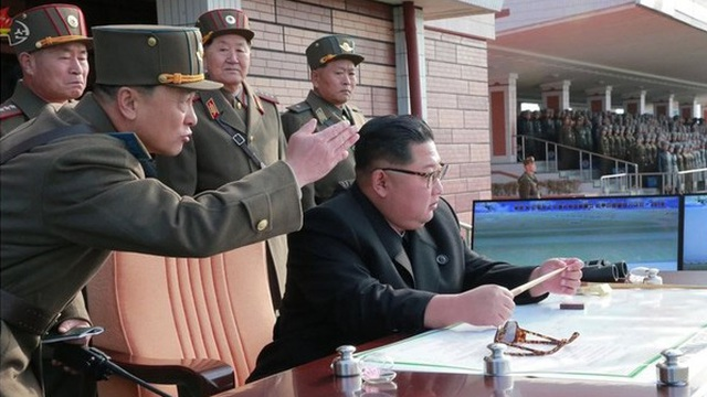 """Hơn 35 máy bay quân sự Triều Tiên có """"động thái bất thường"""" tại sân bay"""