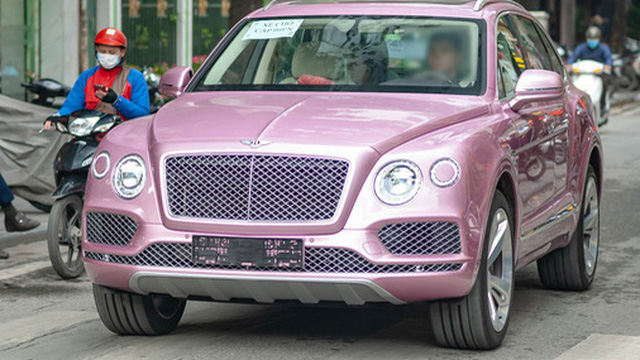 Cận cảnh Bentley Bentayga với ngoại thất độc nhất Việt Nam, tùy chọn có giá gần bằng 3 chiếc Honda SH