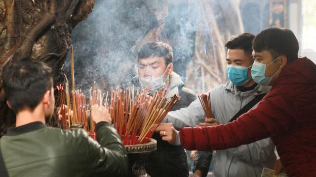 Hà Nội: Chùa Hà đông kín người đi lễ Rằm tháng giêng