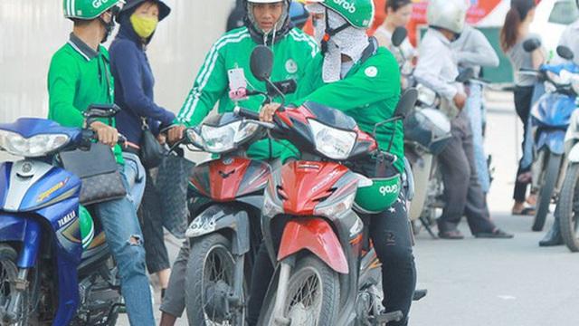 'Chuyên gia' cam kết trả lãi đầu tư 4%/tháng: Tự nhận Top 10 người được săn đón nhất ngành Chứng khoán Việt Nam đến viễn cảnh chạy Grab 99 năm cũng chưa trả hết nợ