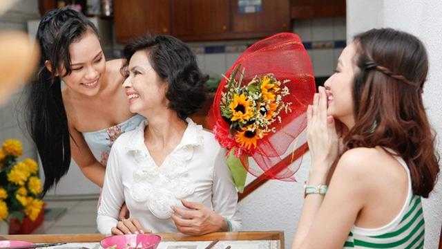 Gợi ý 10 món quà tặng ngày 8/3 ý nghĩa khiến mẹ bất ngờ