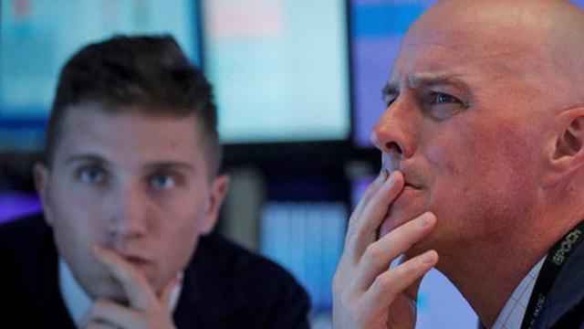 Dow Jones futures bay hơn 1.000 điểm, lợi tức trái phiếu kho bạc 10 năm thủng 0,5%