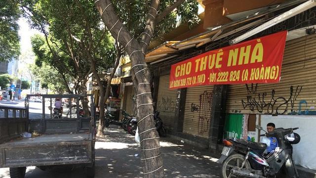 Mặt bằng 'tiền tỷ' bỏ hoang ở Sài Gòn vì dịch Covid-19