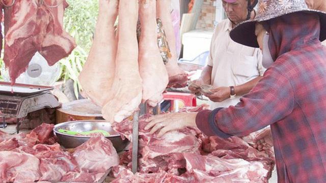Nhập khẩu thịt lợn tăng trên 200%, giá trong nước mới giảm nhẹ
