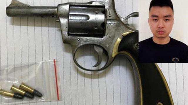 Vận động đối tượng dùng súng gây án mạng ra đầu thú