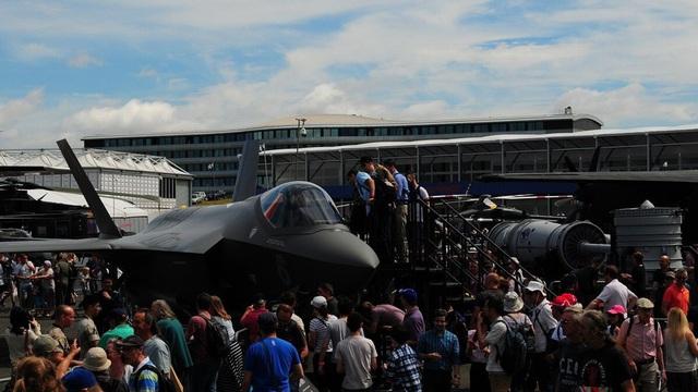 Triển lãm hàng không hàng đầu thế giới 'toang' vì Covid-19