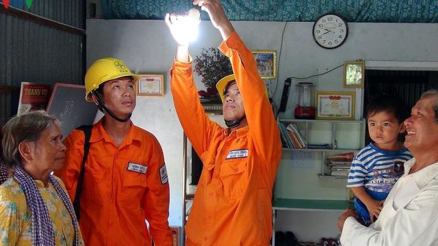 Bộ Công Thương đề xuất giảm 10% giá điện hỗ trợ chống dịch Covid-19