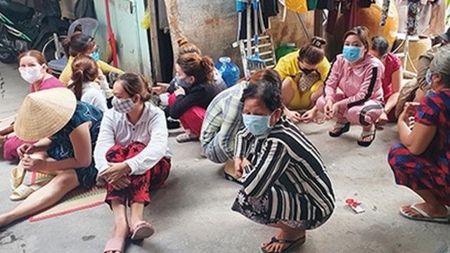 Hơn 10 phụ nữ tụ tập đánh bạc trong cao điểm dịch COVID-19