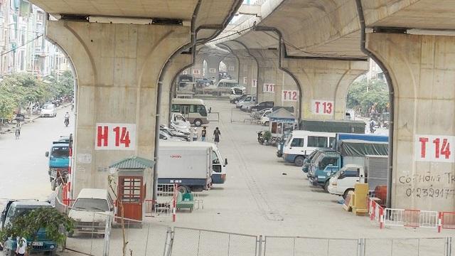 Hà Nội tiếp tiếp tục cho trông xe dưới gầm cầu