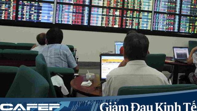 """Chứng khoán giảm kỷ lục trong tháng 3, nhà đầu tư nội ồ ạt mở tài khoản """"bắt đáy"""""""