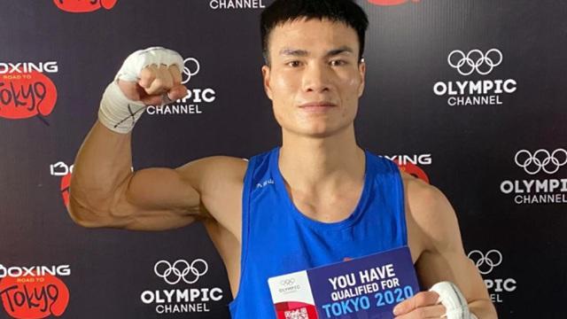 """Võ sĩ boxing Nguyễn Văn Đương: Bật dậy sau """"cú sốc"""" và tấm vé dự Olympic 2020"""