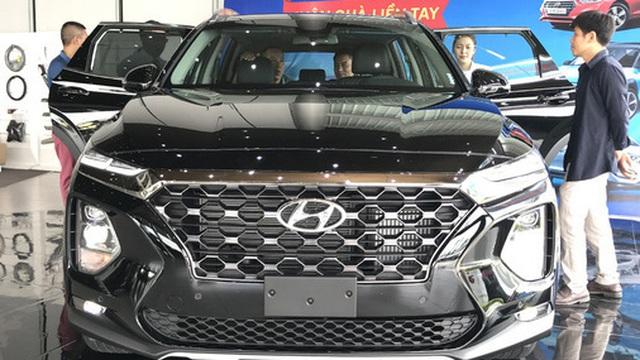 Hyundai Santa Fe ưu đãi chưa từng có: Giảm giá gần trăm triệu chạy đua với Mazda CX-8 và Honda CR-V