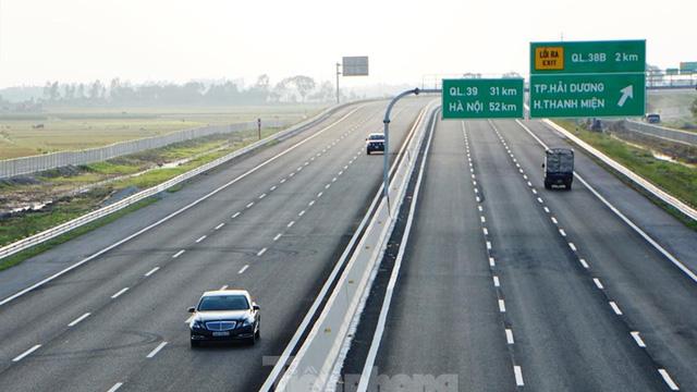 Dự án cao tốc Bắc - Nam: Vì sao bộ muốn đấu thầu, bộ ưa chỉ định?