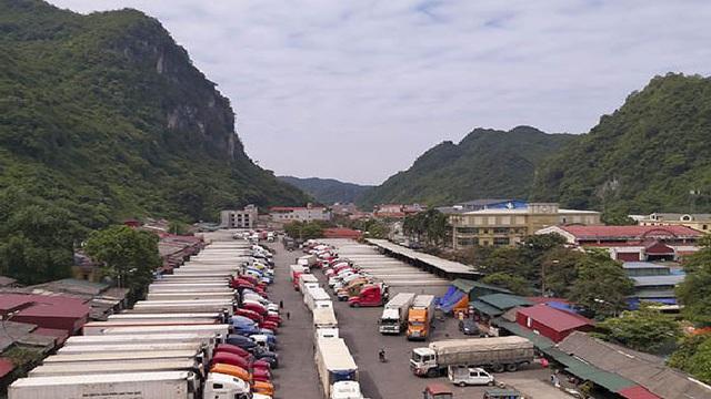 Đề nghị Trung Quốc mở luồng ưu tiên giải phóng nông sản ùn ứ