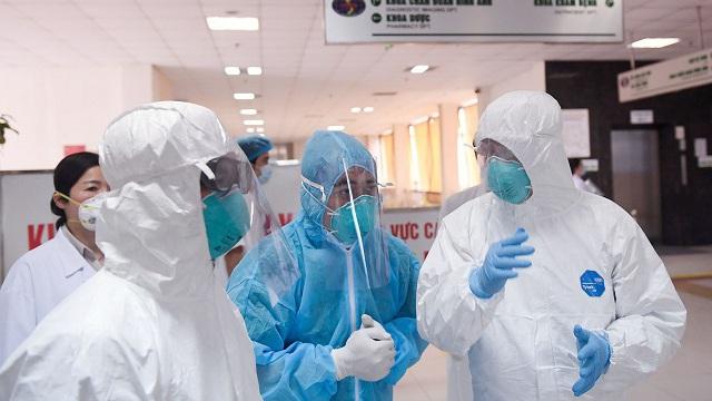 Đồ bảo hộ y tế, khẩu trang rộng đường vào Mỹ và EU