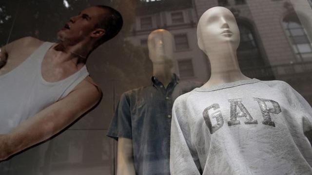 Tài khoản ngân hàng gần cạn kiệt sau 2 tháng, thời trang Gap phải cho 80.000 nhân viên nghỉ việc, không thể trả tiền thuê mặt bằng tháng 4 vì Covid-19