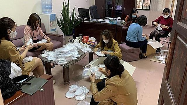 Công đoàn Sở Tư pháp Hà Nội: Thiết thực chăm lo đoàn viên, người lao động trước ảnh hưởng của dịch bệnh